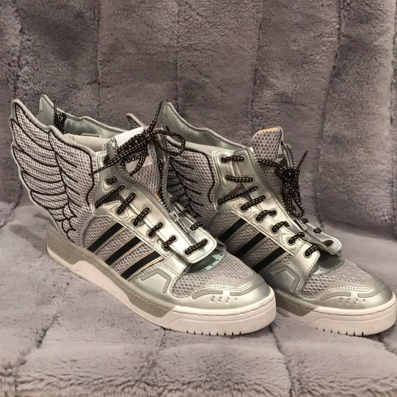 2c90be5fd0ee Jeremy Scott x Adidas Other - Like new! Jeremy Scott X Adidas Js Wings 2.0
